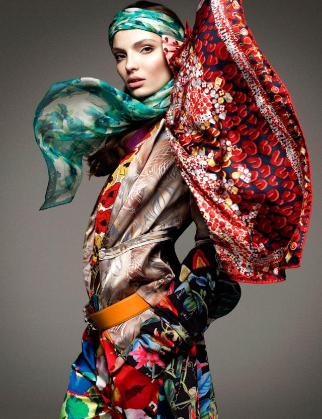 Платки модные яркие