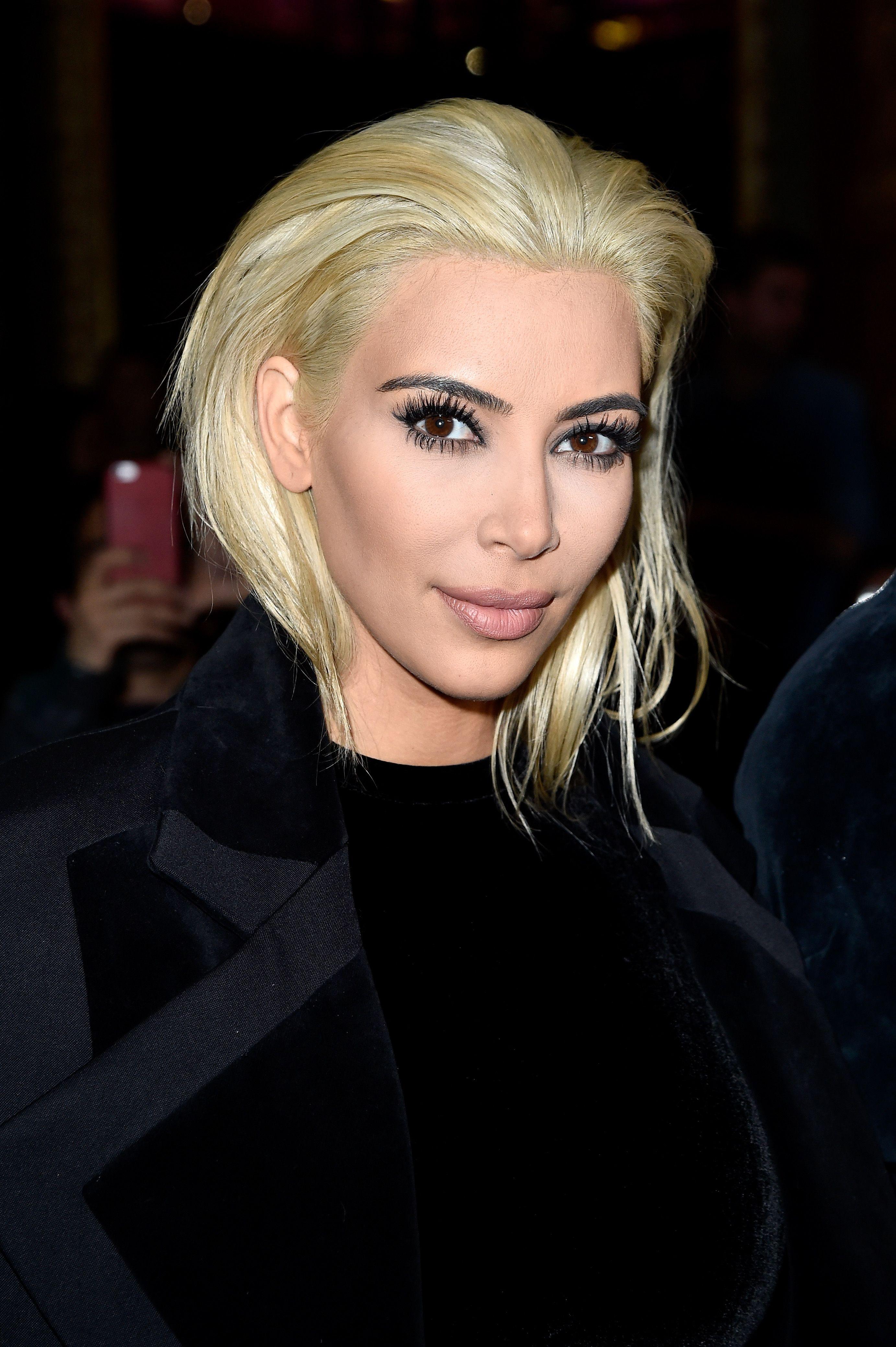 Фото блондинки с зализанным волосом 6 фотография